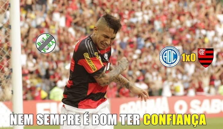 16/03/2016 - O Flamengo foi surpreendido pelo modesto Confiança na Copa do Brasil e perdeu por 1 a 0 na partida de ida. Porém, na volta conseguiu reverter a desvantagem e venceu por 3 a 0..