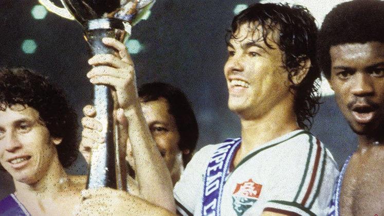 17 - Edinho (1973 - 1989) - 359 jogos com a camisa do Fluminense.