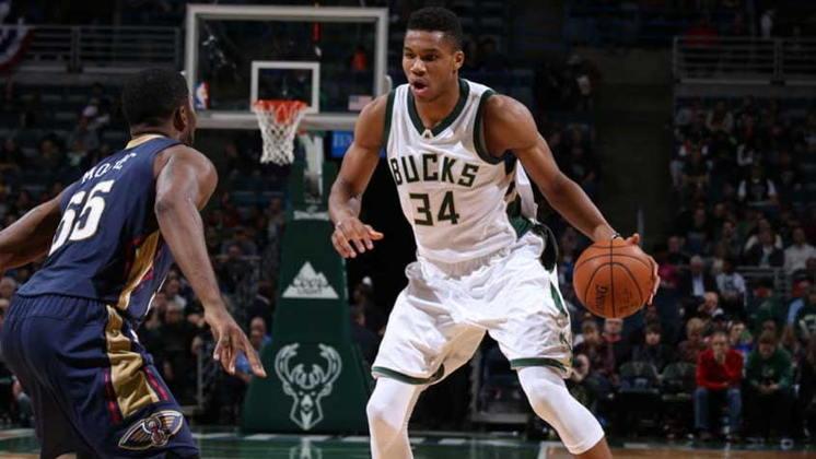 17 – Giannis Antetokounmpo, do Milwaukee Bucks, recebeu 47,6 milhões de dólares (R$ 255 milhões).