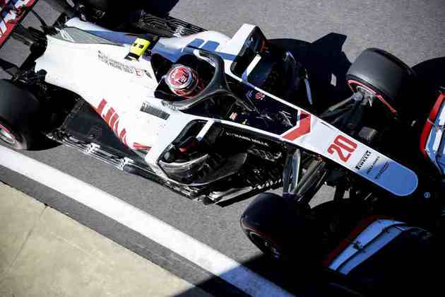 17) Kevin Magnussen (Haas), 1min28s236