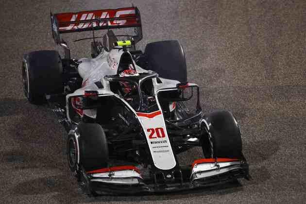 17 - Kevin Magnussen (Haas) - 2.76: Conseguiu piorar ao ponto de ser último. Dia difícil.