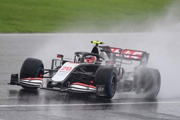 17 - Kevin Magnussen (Haas) - 3.98 - Prejudicado pela equipe, mas ainda foi melhor que o companheiro.