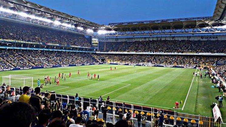 17 - Sükrü-Saracoglu - Fenerbahçe (Turquia)
