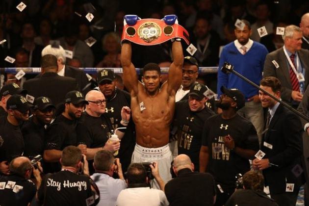 18 – Anthony Joshua, também boxeador, é o 18º colocado, com valores de 47 milhões de dólares (R$ 251,8 milhões).