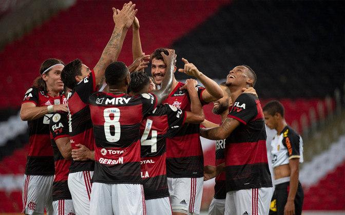 18. Harmonia no vestiário - Muito se falou de formação de 'panelas', mas o elenco do Flamengo se mostrou muito unido na reta final do Brasileirão com várias comemorações em conjunto.