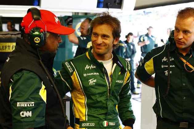 18º) Jarno Trulli corria pela Lotus. Fez pouco e deixou a categoria no fim da temporada