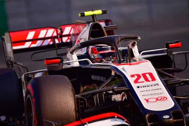 18 - Kevin Magnussen (Haas) - 1.34 - Despedida com gosto de que não fará falta.