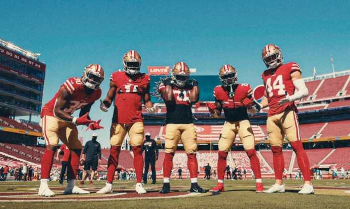 18º San Francisco 49ers: As lesões têm sido uma problema nos 49ers, mas a aparente regressão de Jimmy Garappolo como QB é´o que mais preocupa.
