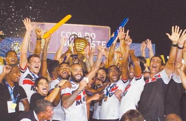 18° - Santa Cruz (1,09 milhão de torcedores) - Nove títulos: Uma Copa do Nordeste (2016), uma Taça Asa Branca (2017), um Campeonato Brasileiro Série C (2013), quatro estaduais (2012, 2013, 2015 e 2016) e duas Copas Pernambuco (2012 e 2019).