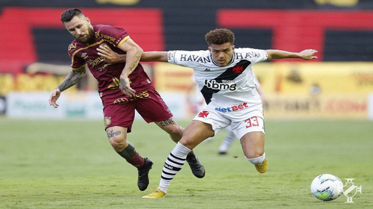 18º - Sport 0x2 Vasco - Campeonato Brasileiro 2020. Neto Borges cruzou e Cano marcou seu segundo gol no jogo, na Ilha do Retiro.