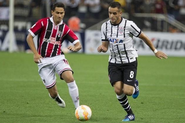 18/2/2015 - Corinthians 2 x 0 São Paulo - Fase de Grupos da Libertadores. Gols: Elias e Jadson (COR)