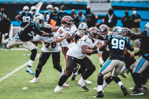 19° Carolina Panthers - Um time divertido para se acompanhar, competitivo e valente. Porém, falta experiência e consistência.