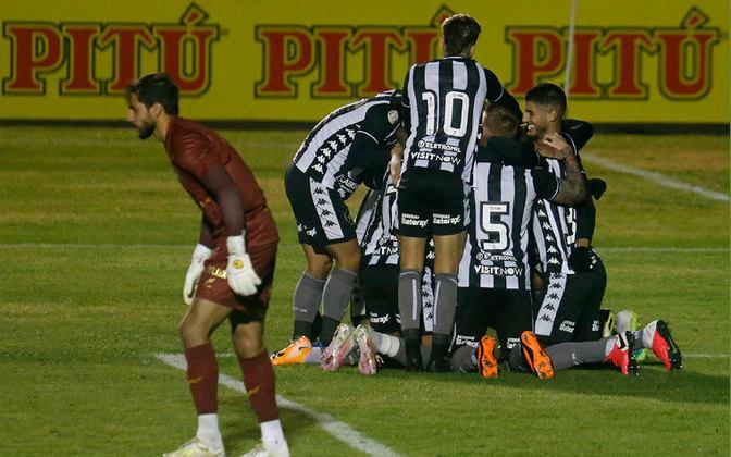 19º colocado – Botafogo (20 pontos) – 24 jogos / 0.00% de chances de título; 0.012% para vaga na Libertadores (G6); 87.1% de chance de rebaixamento.