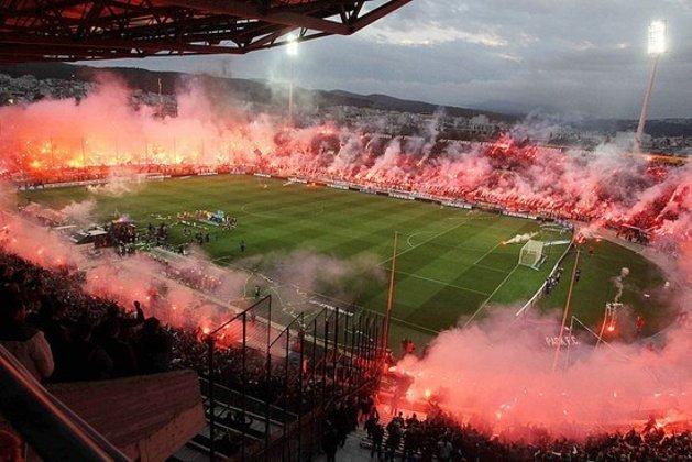 19 - Estádio Toumba - Paok (Grécia)