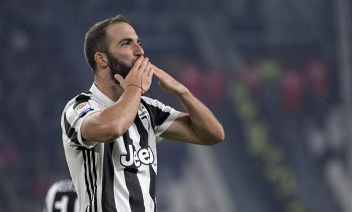 19º - Higuaín - 32 anos - argentino - 336 gols em 712 jogos - Clube atual: Juventus-ITA