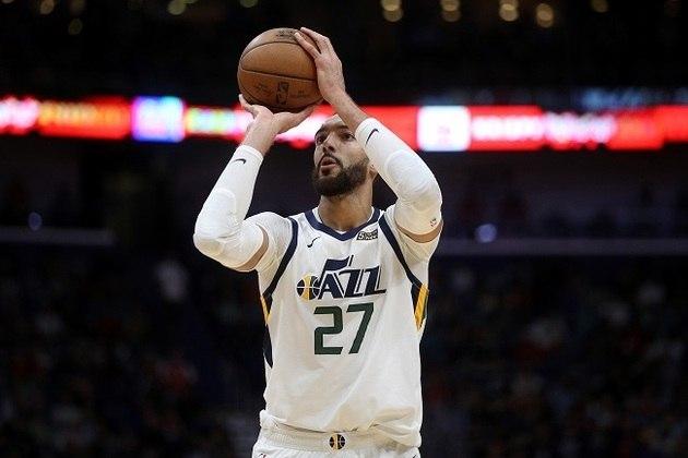 19- Rudy Gobert (Utah Jazz) Primeiro jogador da NBA a contrair o coronavírus, o francês recuperou-se e está pronto para fazer sua equipe brigar por vitórias em Orlando. Gobert, um dos melhores defensores da temporada, faz médias de 15.1 pontos, 13.7 rebotes e 2.0 bloqueios por jogo