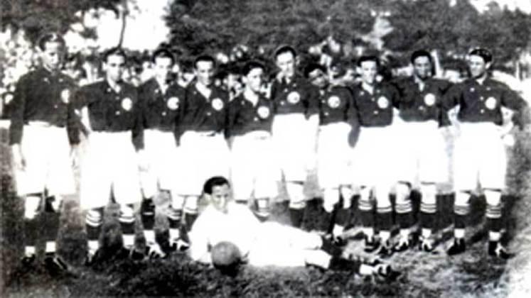 1922 - América-RJ: em disputa acirrada contra o Flamengo pelo título, o América conquistou o seu terceiro Campeonato Carioca somando 18 pontos em 12 jogos. O Flamengo foi vice com 17 pontos e por pouco não levou o troféu.