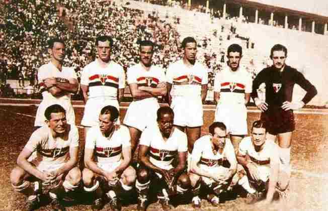 1945 - 3º título estadual do São Paulo - Vice: Corinthians