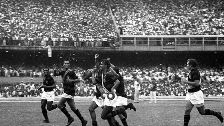 1963 - 14º título estadual do Flamengo - Vice: Fluminense
