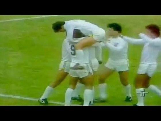1982 - Santos 6 x 1 Palmeiras - No Paulistão de 1982, o Peixe goleou o Palmeiras por 6 a 1 em jogo válido pelo Paulistão, no Pacaembu. Os gols foram marcados por Serginho (2), João Paulo (2), Roberto César e Paulinho Fonseca.
