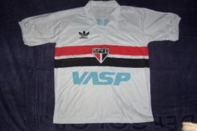 1986 -VASP -  Outro patrocinador máster daquele ano foi a extinta Viação Aérea São Paulo, conhecida como VASP.