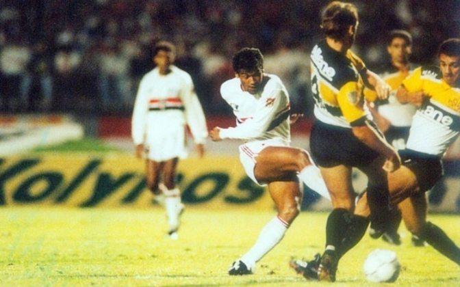 1992 - Criciúma 3 x 0 São Paulo - A estreia na primeira Libertadores que o Tricolor venceu não foi boa. O Tigre goleou com gols de Jairo Lenzi, Gelson e Adilson.
