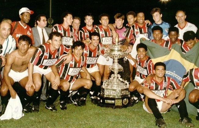 1992 - São Paulo 4 x 0 Real Madrid - Também em agosto de 1992, o São Paulo atropelou outro gigante espanhol para ser campeão do Troféu Ramón de Carranza, em Cádiz, na Espanha. Gols de Elivélton, Raí e Muller (2).