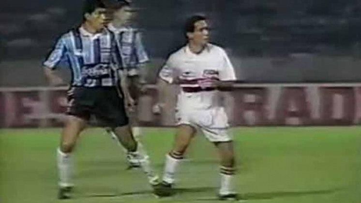 1995 - Quartas de final - Grêmio: outra vez o São Paulo saiu nesta fase do mata-mata. Agora, o Grêmio eliminou o Tricolor. Empate na ida em 1 a 1 e a vitória da equipe do Sul por 2 a 0, eliminou o São Paulo.