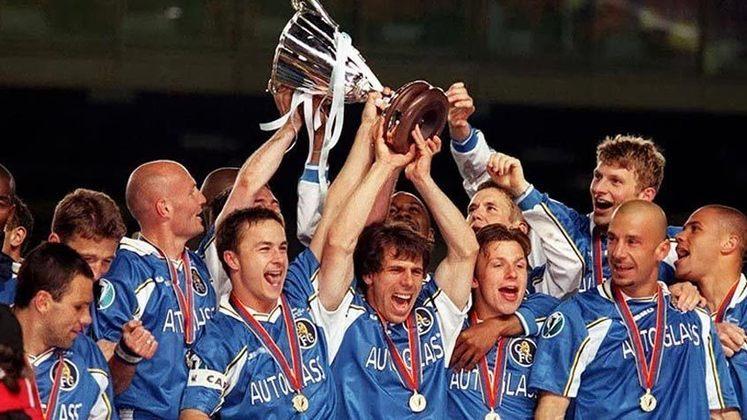1998 - No primeiro ano em que a Supercopa da Europa foi disputada em jogo único o Chelsea derrotou o Real Madrid por 1 a 0 e levou a taça.