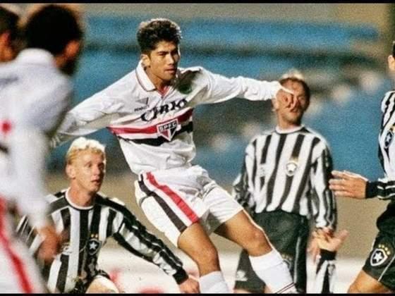 1999 - Quartas de final - Botafogo: desta vez, a eliminação foi para o Glorioso. A ida foi 1 a 1, mas na volta o Tricolor perdeu por 3 a 1 e saiu do torneio.