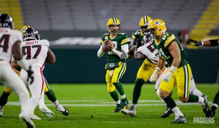 2º Aaron Rodgers: O camisa 12 do Green Bay Packers está pegando fogo no ano. São 13 touchdowns, 1214 jardas aéreas e 0 interceptações.