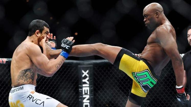 2ª. Anderson Silva x Vitor Belfort (UFC 126) - Em fevereiro de 2011, os compatriotas se enfrentaram pelo cinturão e Anderson Silva levou a melhor. Com um chute certeiro, o Spider nocauteou Belfort ainda no primeiro round. O golpe ainda rendeu os prêmios de nocaute da noite e do ano