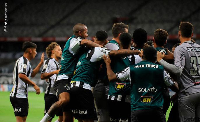 2º colocado – Atlético-MG (35 pontos) – 20% de chance de título; 81,1% para vaga na Libertadores (G6); 0,042% de chance de rebaixamento.