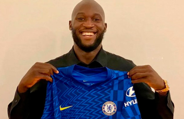 2° colocado - Chelsea - 95 jogadores contratados - Última aquisição: Romelu Lukaku (115 milhões de euros).