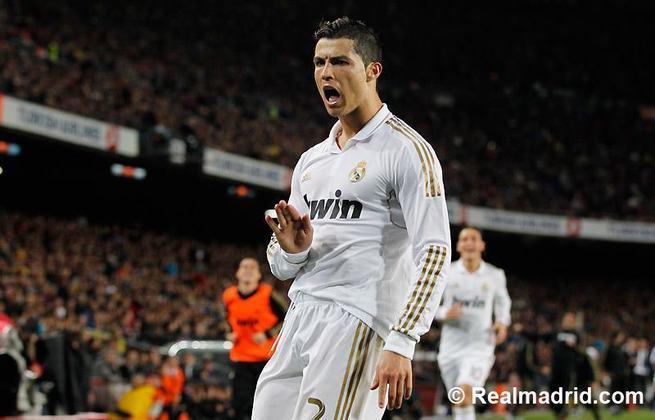 2 - Cristiano Ronaldo - País: Portugal - Posição: Atacante - Clubes: Sporting, Manchester United, Real Madrid e Juventus