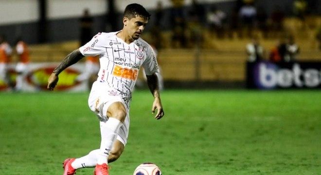 2) Fagner - Corinthians - 27 assistências para finalização (10 jogos)