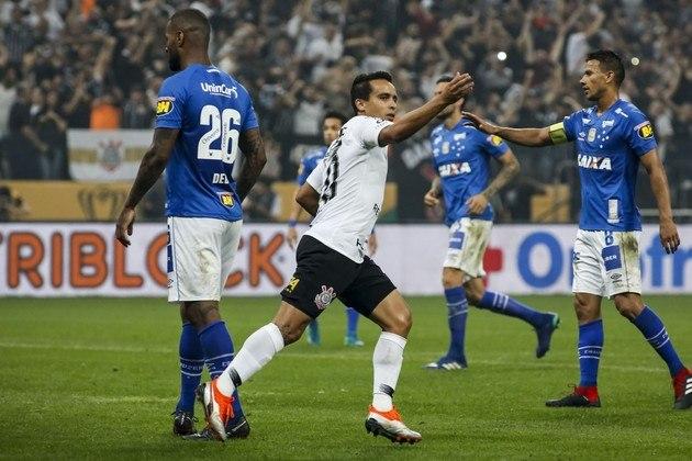 2) Jadson - 25 gols em 111 jogos