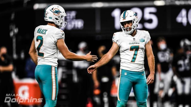 2. Jason Sanders (Miami Dolphins): A marca de 100% nos extra points é apenas a cereja no bolo do kicker dos Dolphins. Foram  36/39 field goals, com direito a 12 na faixa das 40 jardas e oito na faixa das 50. A consistência de Sanders foi premiada com uma seleção ao Pro Bowl e com a eleição ao primeiro time All-Pro em 2020