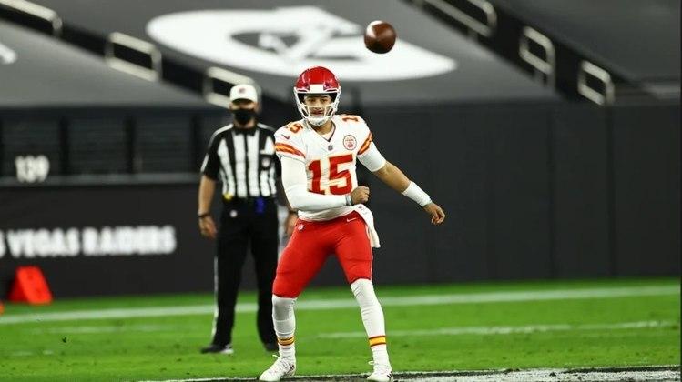 2º Kansas City Chiefs - Com Patrick Mahomes, Kansas City vai sempre estar no top-3 da NFL. O quarterback eleva o nível da franquia.