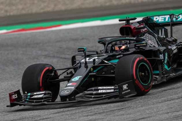 2) Lewis Hamilton, 1min02s951