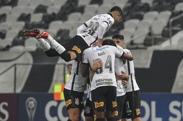 2º lugar: Corinthians - Audiência em todas as redes sociais: 25.417.837 - Audiência no Facebook: 11.110.400 - Audiência no Instagram: 5.525.176 - Audiência no Twitter: 6.317.061 - Audiência no TikTok: 995.200 - Audiência no YouTube: 1.460.000