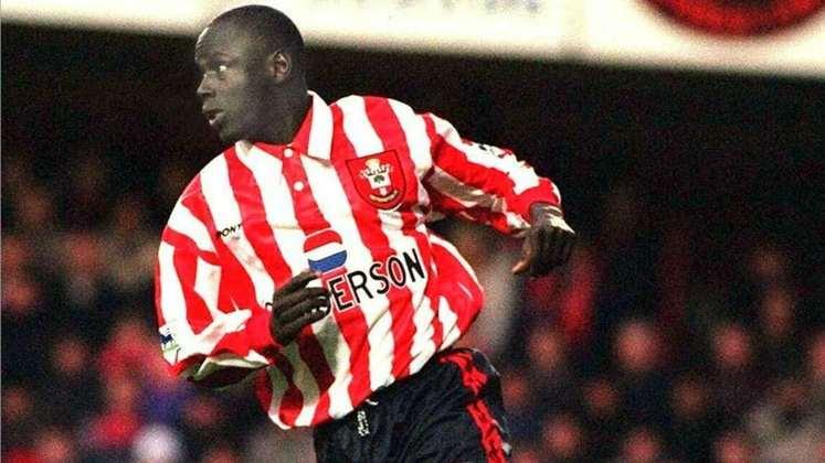 2° - Na segunda posição vem o ex-meia senegalês Ali Dia. Indicado por George Weah, o Southampton contratou o jogador, que fez somente uma partida pela equipe inglesa, causando constrangimento ao clube inglês