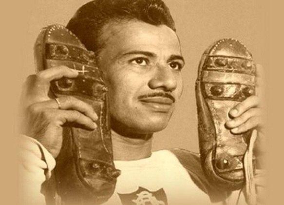 2º - Orlando Pingo de Ouro - 1945/1955 - 184 gols em 310 jogos