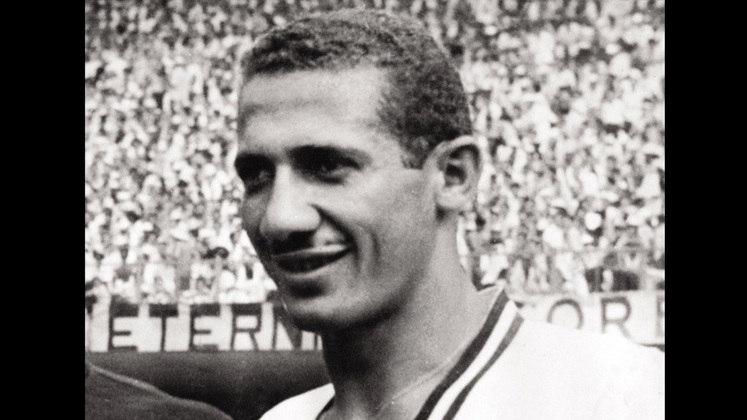2 - Pinheiro (1949 - 1963) - 603 jogos com a camisa do Fluminense.