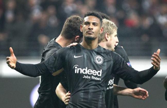 2º – Sébastien Haller - O centroavante marfinense, de 26 anos, trocou o West Ham pelo Ajax, da Holanda. Haller custou 22,5 milhões de euros (R$ 148 milhões).