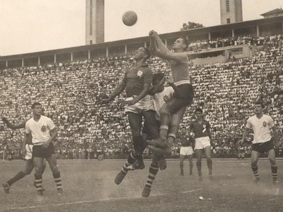 20) Gylmar - goleiro - uma passagem: 1951 a 1961 - 395 jogos