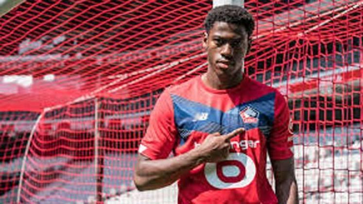 20- JONATHAN DAVID – Pelo mesmo valor de 32 milhões de euros, o atacante Jonathan David, ex-Gent, foi contratado pelo Lille para disputar a temporada.