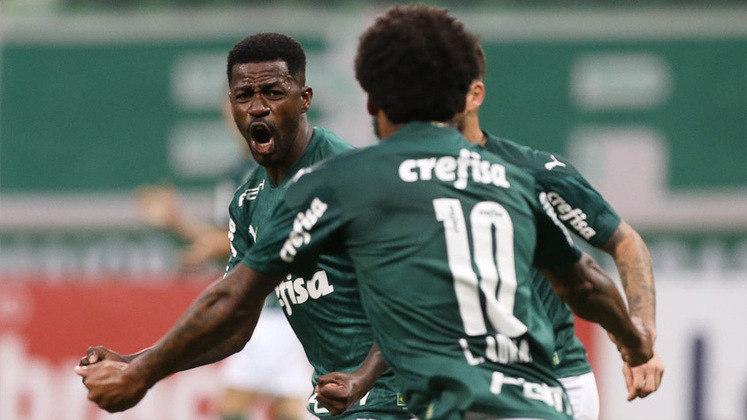 20 – Ramires, volante do Palmeiras, tem 1,3 milhão também em seu Instagram.