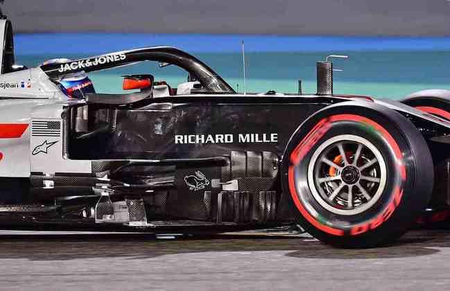 20º - Romain Grosjean (Haas) - 7.44: Merece aplausos por escapar vivo.