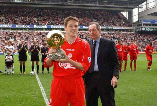 2001- Michael Owen foi eleito o melhor jogador da Europa em 2001. Com o Liverpool, o artilheiro conquistou a Liga Europa, a Copa da Inglaterra e a FA Cup. Mesmo assim, Figo, Beckham e Raúl foram os escolhidos.